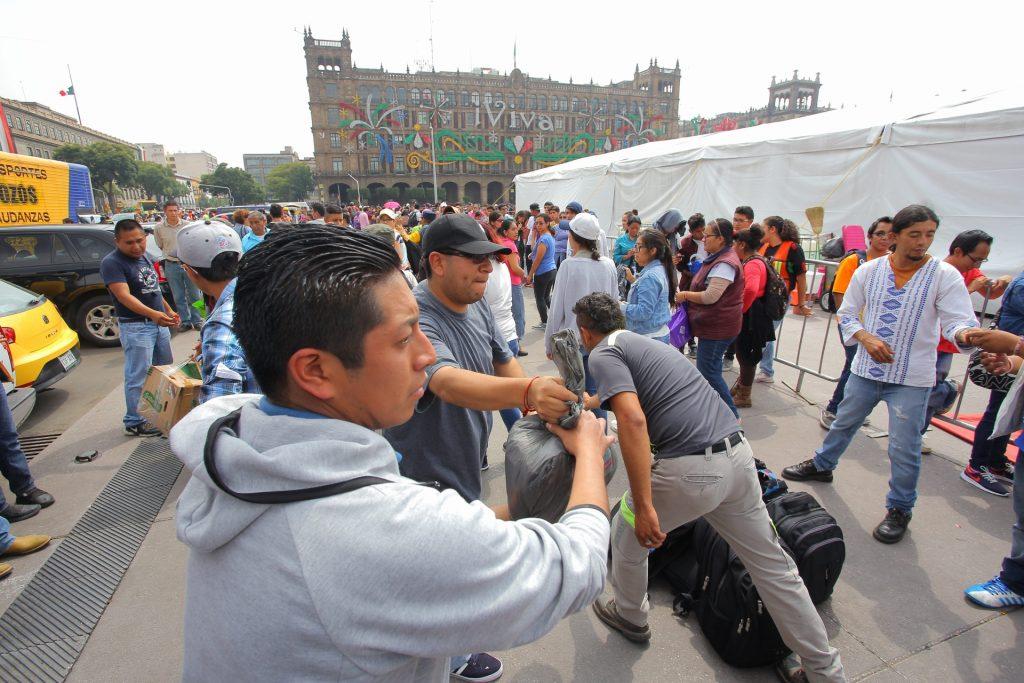 FOTOS El Zócalo se vuelve centro de acopio