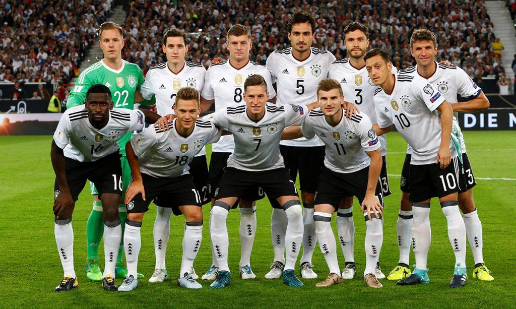 La selección de Alemania, actual campeón del mundo, recupero el primer sitio en la clasificación mensual de la FIFA; México se mantiene en el sitio 14.