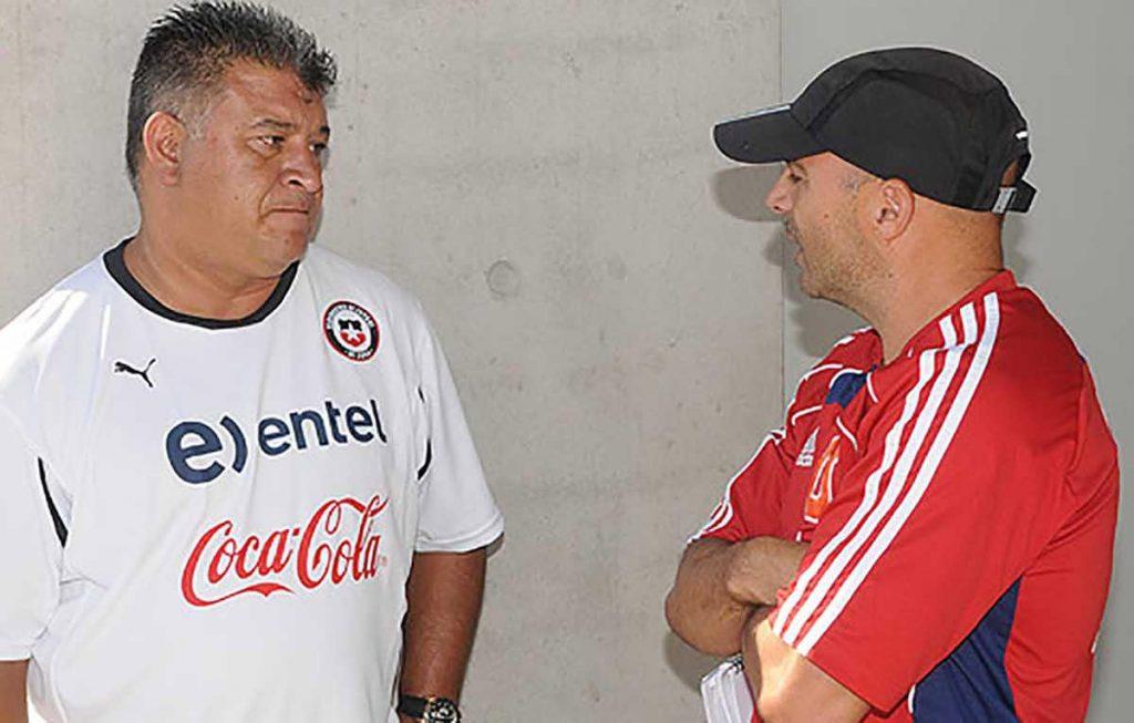 El ex técnico de Chile, Claudio Borghi criticó a su compatriota Jorge Sampaoli como entrenador de Argentina. Dice que es buen técnico, pero mala persona.