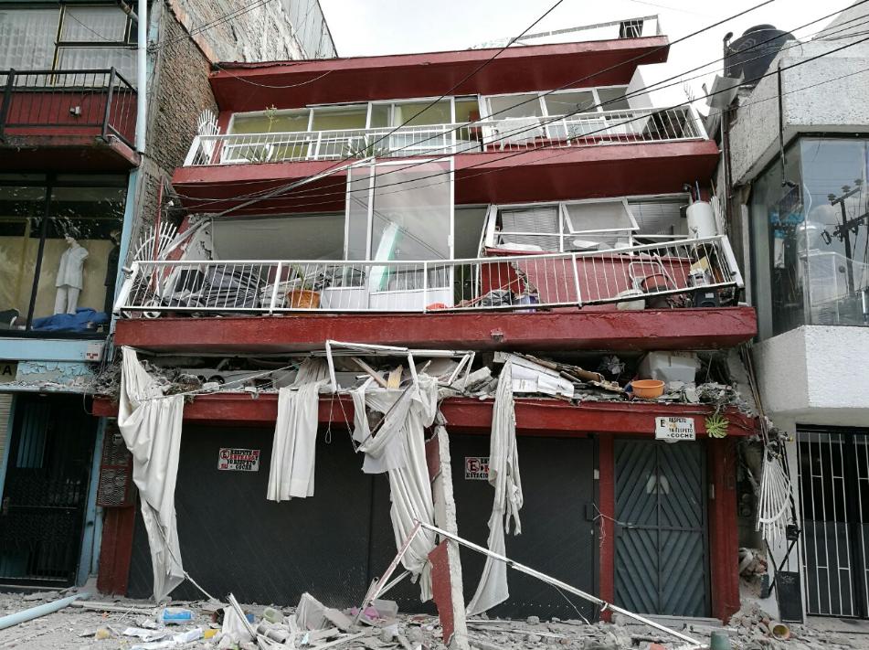 Historias del sismo: tragan polvo y lo pierden todo