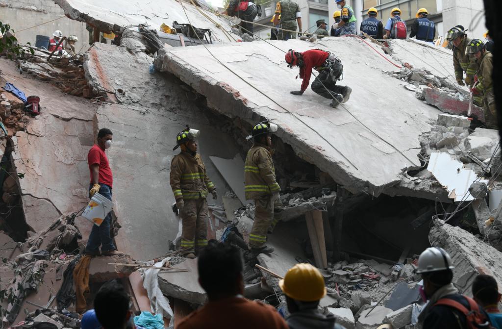 Sismo. Galería de fotos de labores de rescate en Ámsterdam y Laredo, Colonia Condesa
