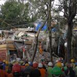 Continúan rescatando personas de multifamiliar Tlalpan Fovissste