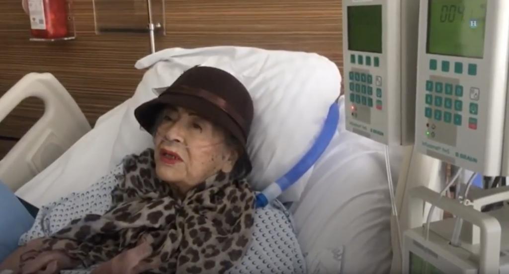 A sus 87 años, Adela sobrevivió tras pasar 32 horas bajo los escombros