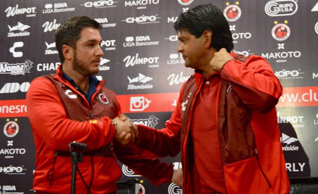 José Saturnino Cardozo asume la dirección técnica de los Tiburones Rojos del Veracruz, en sustitución de Juan Antonio Luna.