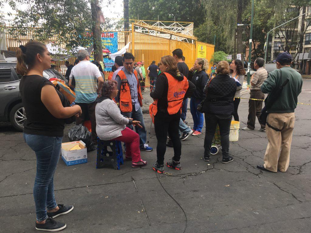 Vecinos de la colonia doctores, incertidumbre después del sismo