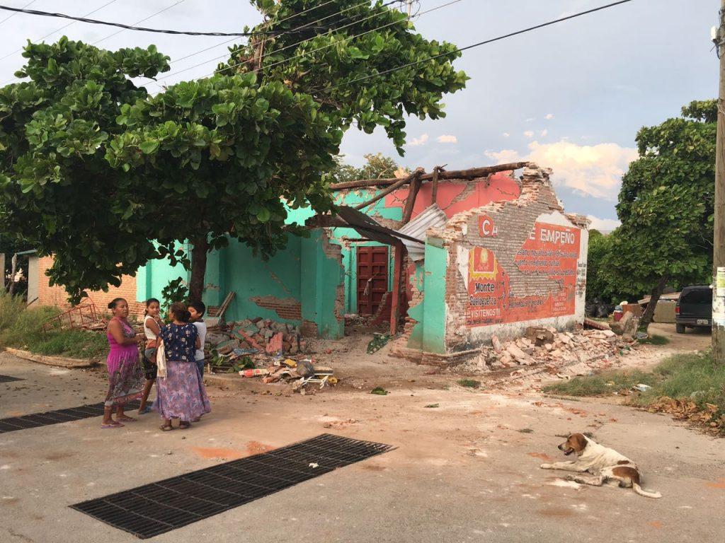 """""""Es una vivencia jamás vista por nosotros"""": damnificados del terremoto"""