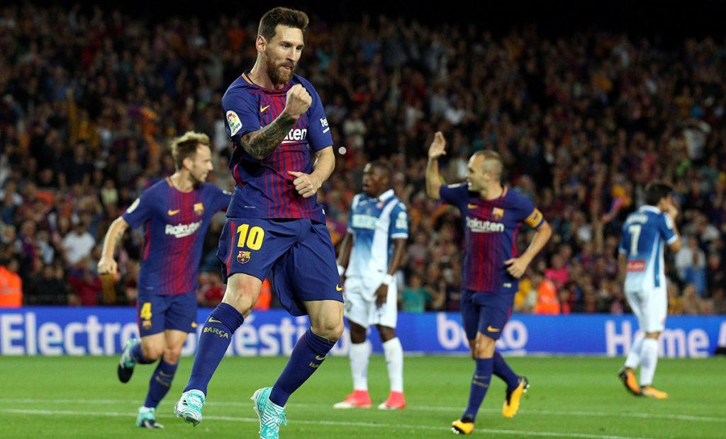 Lionel Messi marcó tres goles en la victoria 5-0 del Barcelona sobre el Espanyol; Real Madrid 1-1 con Levante.