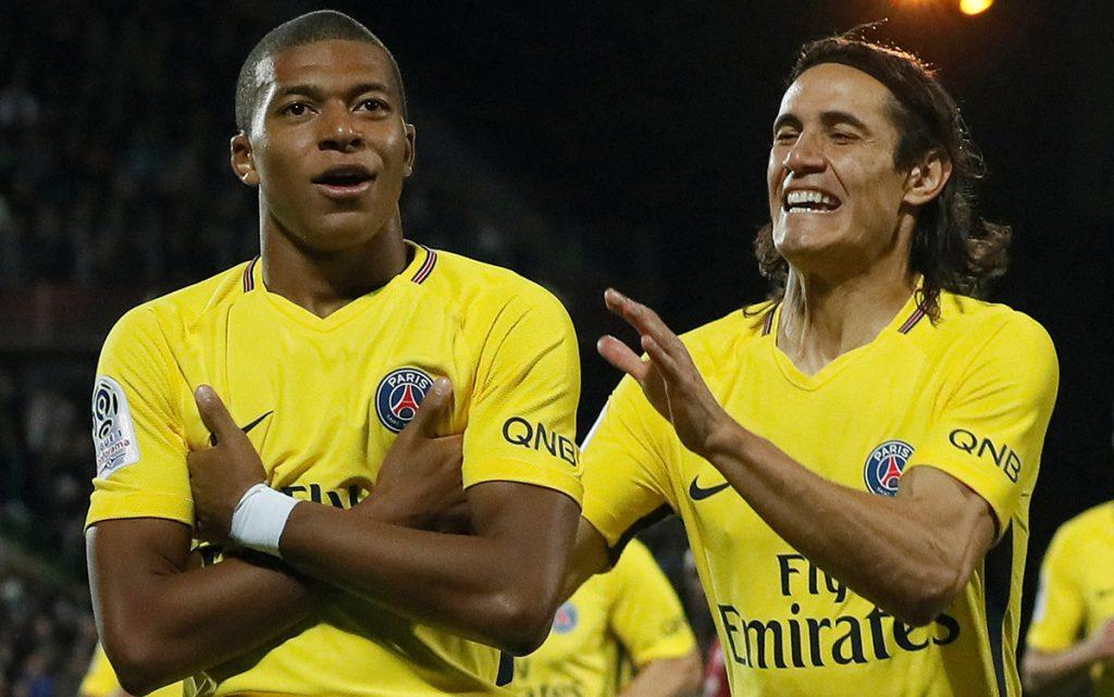 Kylian Mbappé contribuyó con una anotación en la goleada 5-1 del Paris Saint-Germain sobre el Metz; Edinson Cavani marco doblete y Neymar hizo otro.