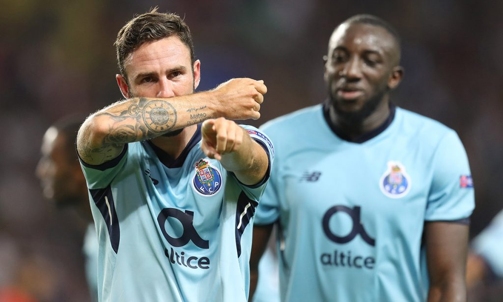 Miguel Layún contribuyó con una anotación en la victoria 3-0 del Porto en Mónaco; Héctor Herrera, Diego Reyes y Jesús Tecatito Corona tuvieron participación.