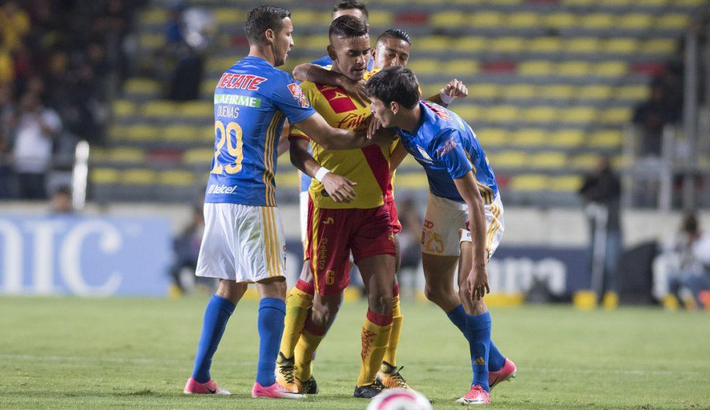 Monarcas y Tigres abrieron con bombo y platillo la Jornada 9 del Apertura al igualar 3-3 en emocionante partido, digno de noche mexicana