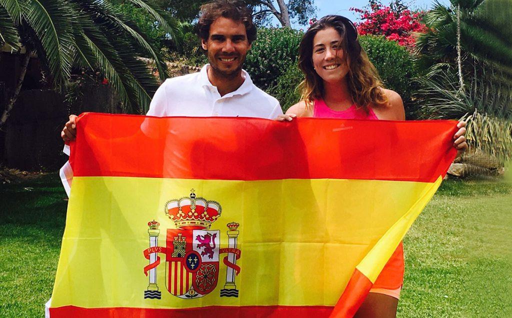 Rafael Nadal y Garbiñe Muguruza son los número uno de la clasificación mundial de la ATP y la WTA; Nadal espera que Muguruza 'esté ahí mucho tiempo'.