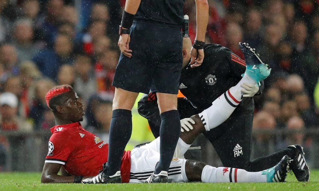 José Mourinho, técnico del Manchester United, reconoció que el volante francés Paul Pogba estará fuera de las canchas por varias semanas.