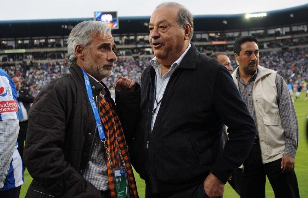 América Móvil informó que llegó a un acuerdo para vender su participación del 30 por ciento en el Grupo Pachuca, incluidos el equipo Pachuca y León.