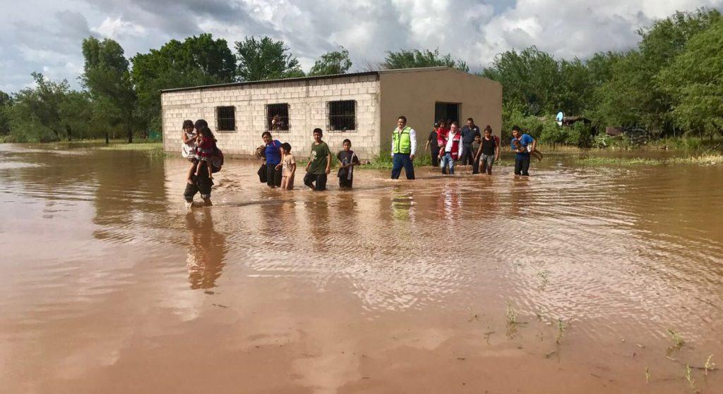 La Unidad Estatal de Protección Civil informó que siete municipios de la entidad se mantienen con alerta naranja y otros 22 con alerta amarilla.