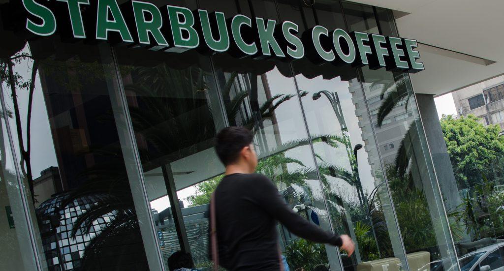 Starbucks cumple 15 años de estar en México este martes