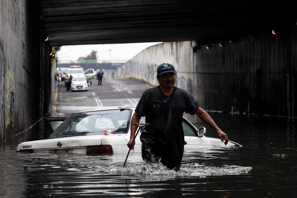 Invierten millones en drenaje de Valle de México; no sirve de nada