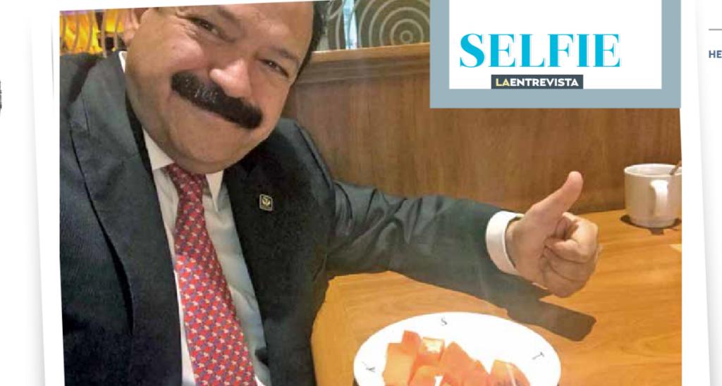 #Selfie. Armando Ahued, médico de trinchera