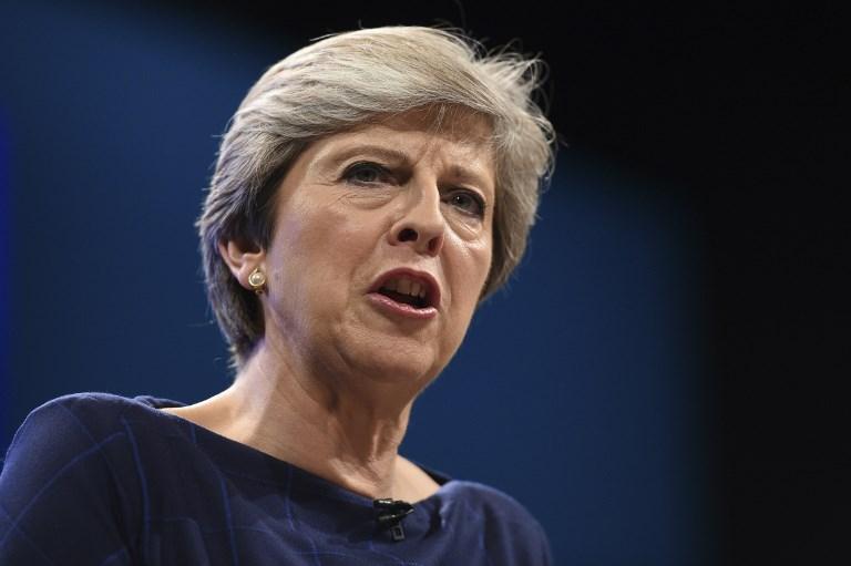 Theresa May dice seguirá liderando Reino Unido pese a intentos de derrocarla