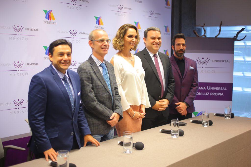 Conferencia de prensa  de Lupita Jones y miembros de TV Azteca. Foto Bernardo Coronel.