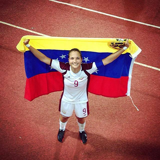 Deyna Castellanos conquista a la FIFA