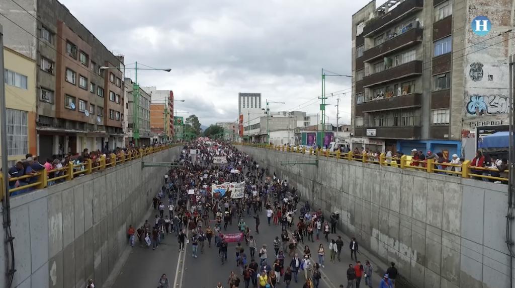 Marcha conmemora el movimiento estudiantil del 2 de octubre