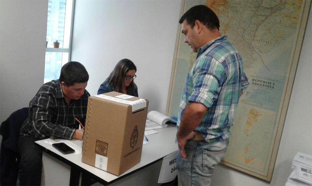 Argentinos votarán en medio de tensión social tras muerte de activista