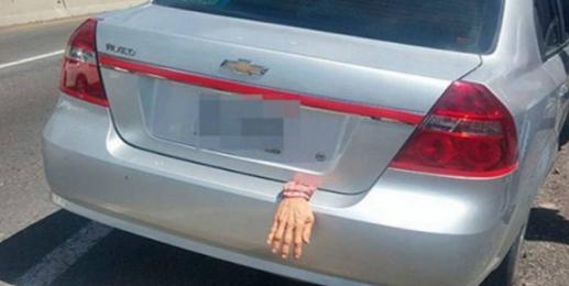 """Decoración de """"Halloween"""" confunde a policías de Tlaxcala"""