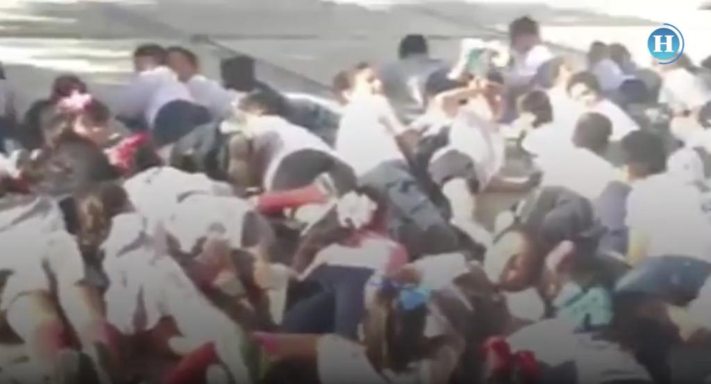 Realizan simulacro de balacera en primaria de BC, La Paz