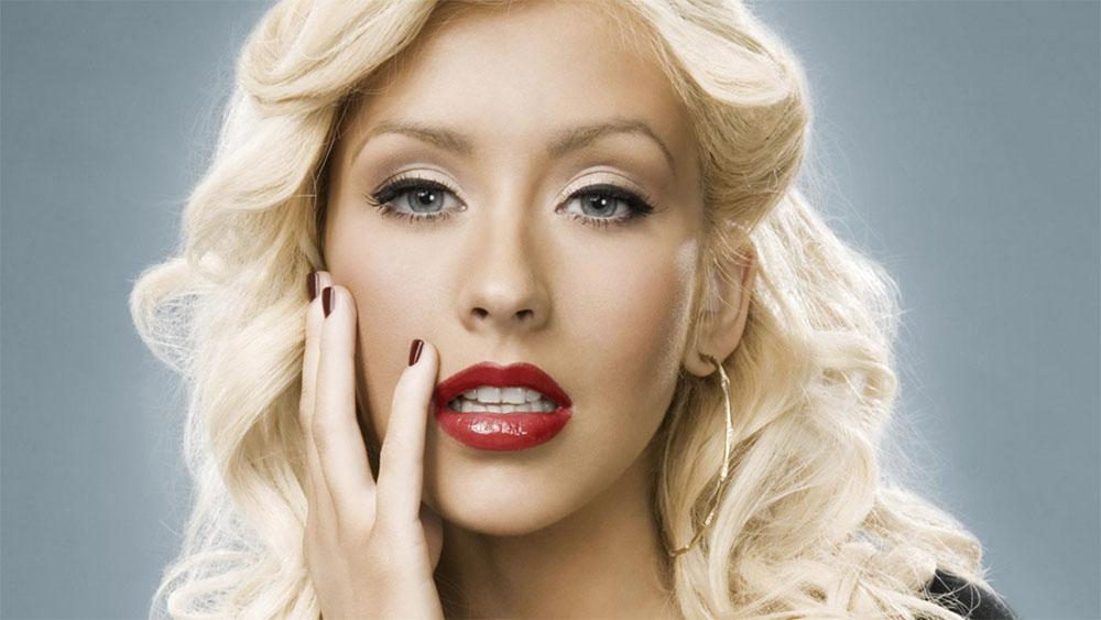 Christina Aguilera rendirá homenaje a Whitney Houston en los AMAs 2017