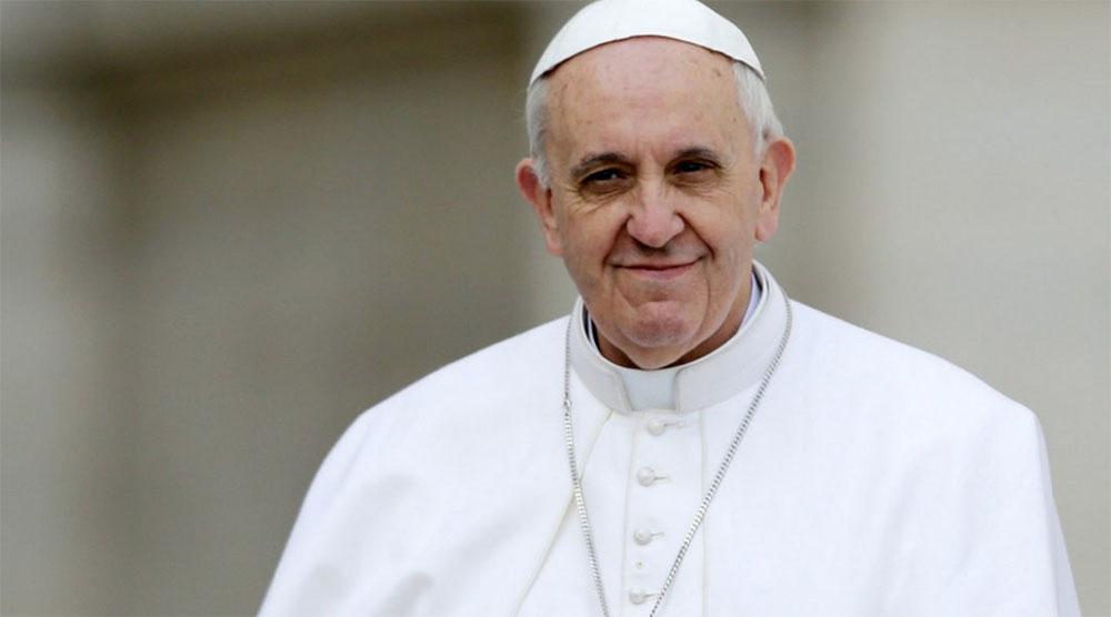 Papa Francisco convoca a premios Nobel para hablar de armas nucleares