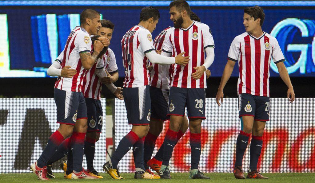 Las Chivas Rayadas del Guadalajara consiguieron su primer triunfo en casa al vencer 3-1 a los Xolos de Tijuana