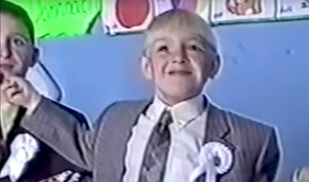 Checa este video en el que Connor McGregor, multicampeón de la UFC, aparece bailando un típico baile irlandés a la edad de 7 años.