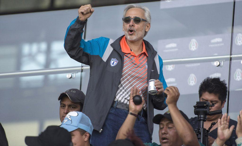 Jesús Martínez, presidente de Grupo Pachuca, señala que hubo amenazas de aplicar la renovación automática en derechos del Tri si seguían oponiéndose.