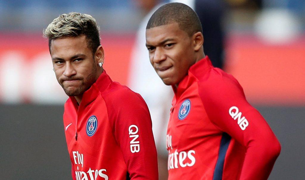 El joven delantero Kylian Mbappé calificó a su compañero en el PSG, el brasileño Neymar como más creativo y su colega en Francia Antoine Griezmann como más letal.