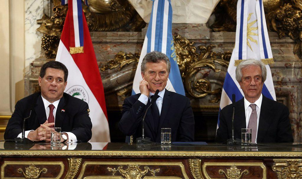 Con la presencia de Gianni Infantino, presidente de la FIFA, Argentina, Paraguay y Uruguay presentaron su candidatura para organizar el Mundial 2030.