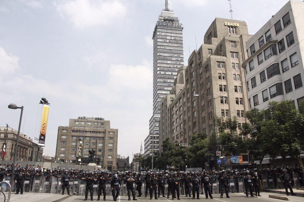 2 de Octubre, cierre de avenidas y negocios por marcha conmemorativa