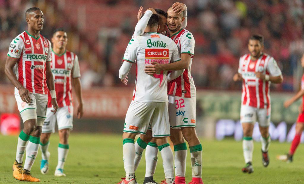 Con dobletes de Carlos González y Martín Barragán, Necaxa electrocutó 5-0 a Lobos BUAP para aferrarse a los puestos de liguilla