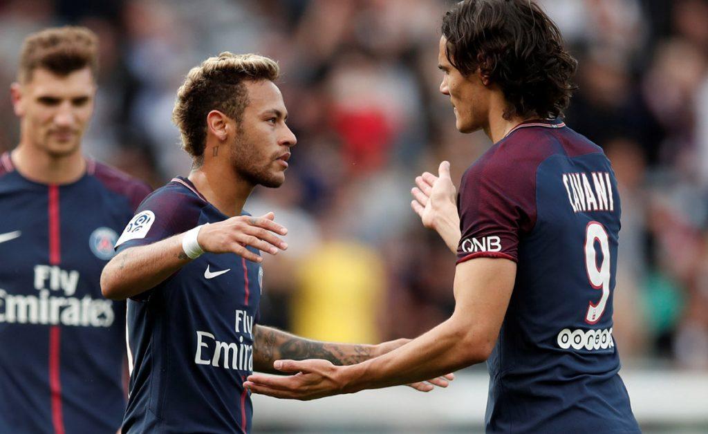 Edinson Cavani puso fin a la polémica por el cobro de penales en el PSG con Neymar asegurando que 'son cosas del fútbol que se arreglan en el vestuario'.