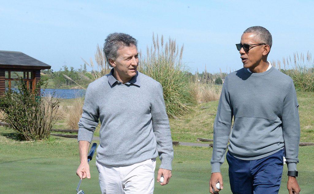 El ex presidente estadounidense Barak Obama jugó golf con el presidente argentino Mauricio Macri, después de una reunión privada entre ambos.