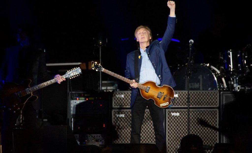 El ex Beatle Paul McCartney retumbó al estadio Azteca con un repertorio histórico y memorable en lo que pudo ser su última presentación en México