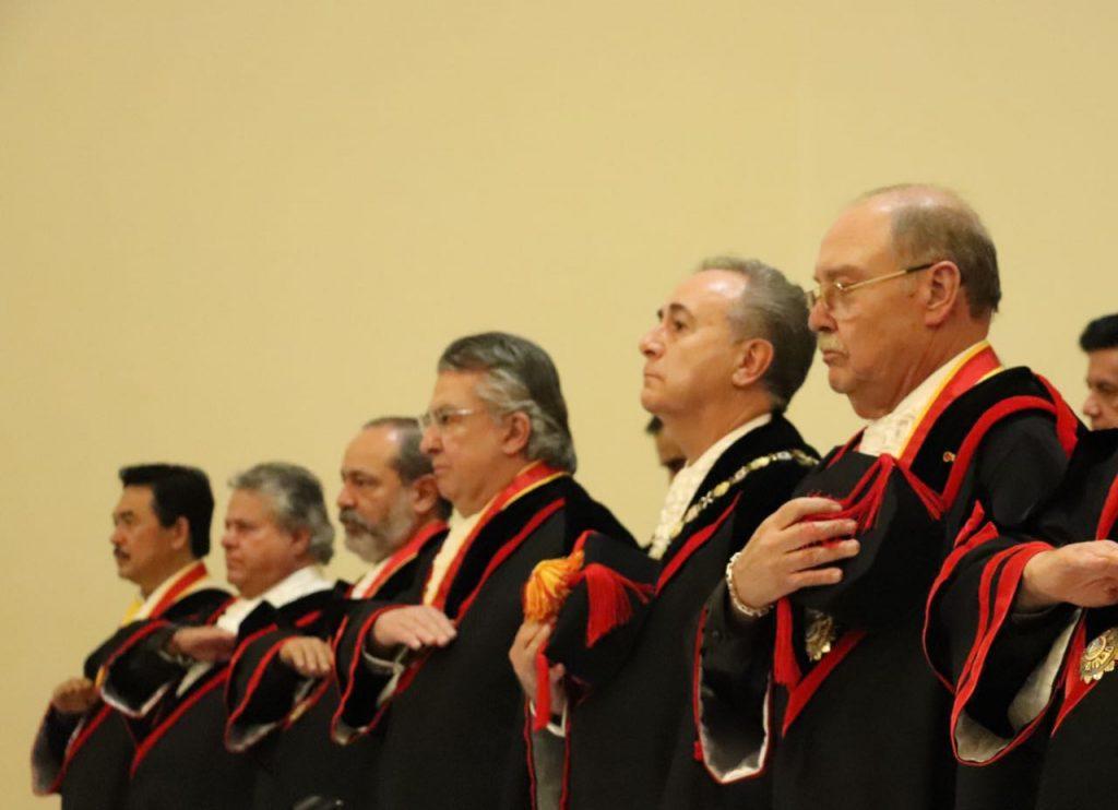 Javier Coello reconocido por Academia de Derecho Internacional