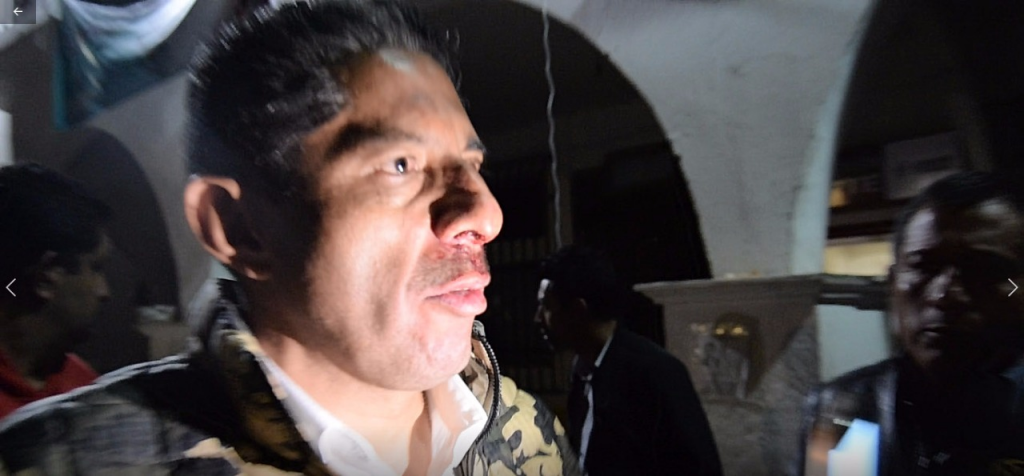 Turba golpea a Alcalde de Ocuilan