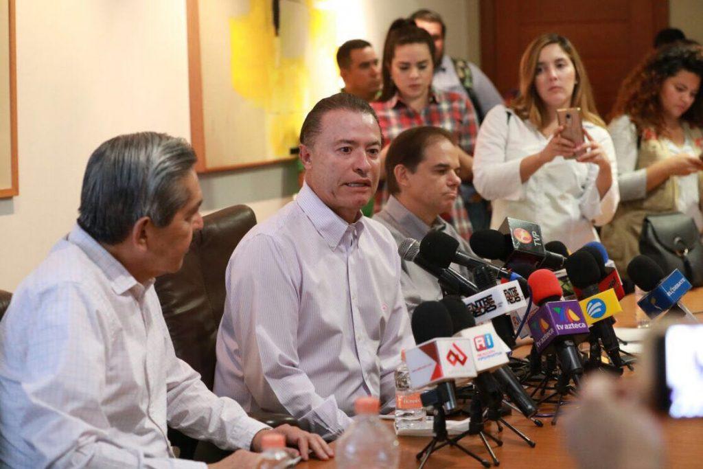 Quirino Ordaz anuncia eliminación de la Tenencia en Sinaloa a partir del 2018