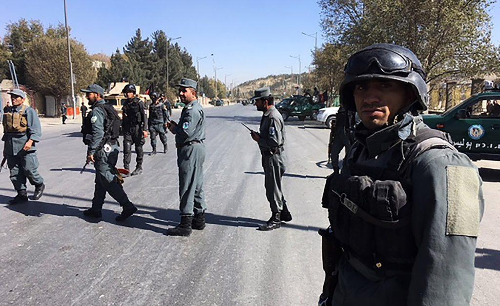 El gobierno de Afganistan tuvo que desplegar al ejército para restaurar el orden en Islamabad tras la violenta operación para despejar una protesta