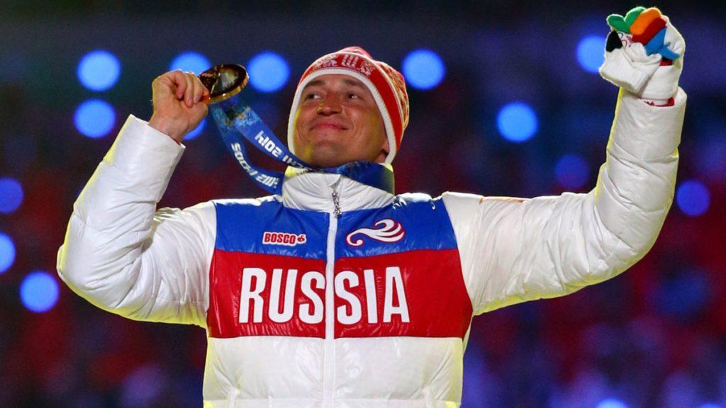 El atleta ruso Alexander Legkov, oro en Sochi en esquí de fondo, fue descalificado de todos los eventos en los que participó, por dopaje