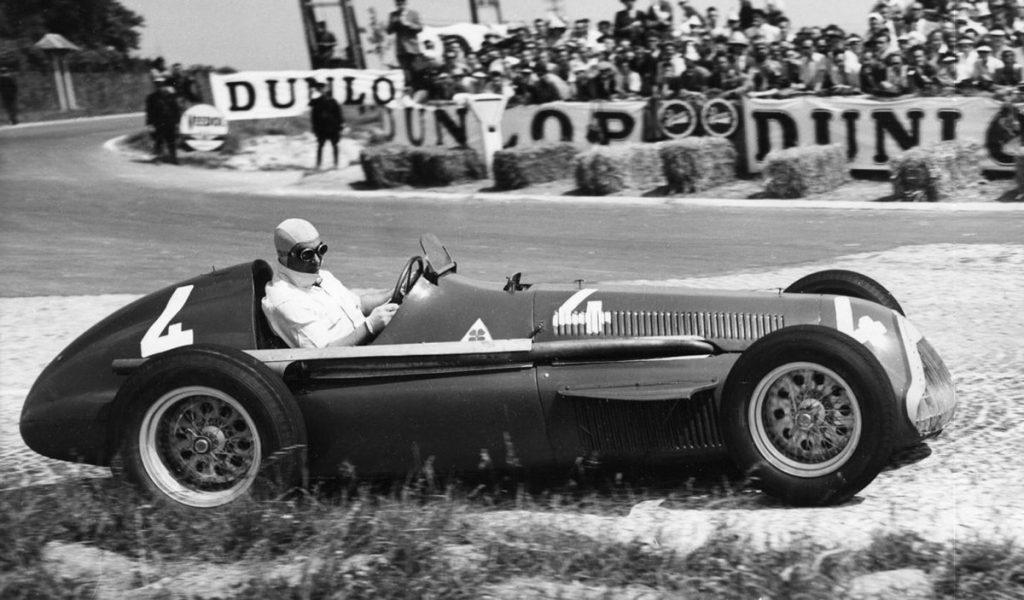 La firma automotriz italiana Alfa Romeo se asoció con la escudería Sauber para crear el equipo Alfa Romeo Sauber que correrá la próxima temporada