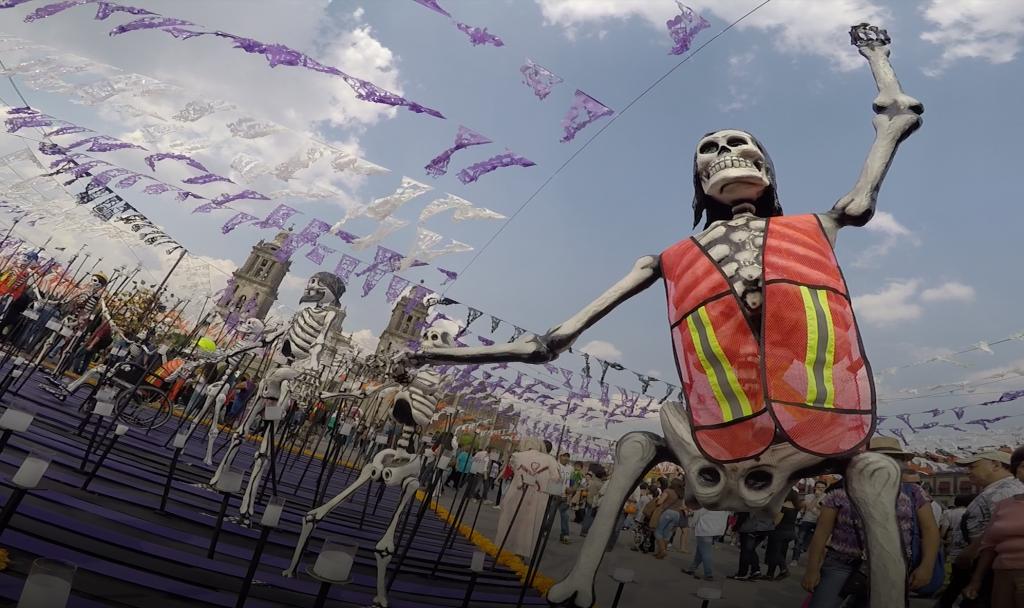 Ofrenda monumental del Zócalo dedicada a la solidaridad