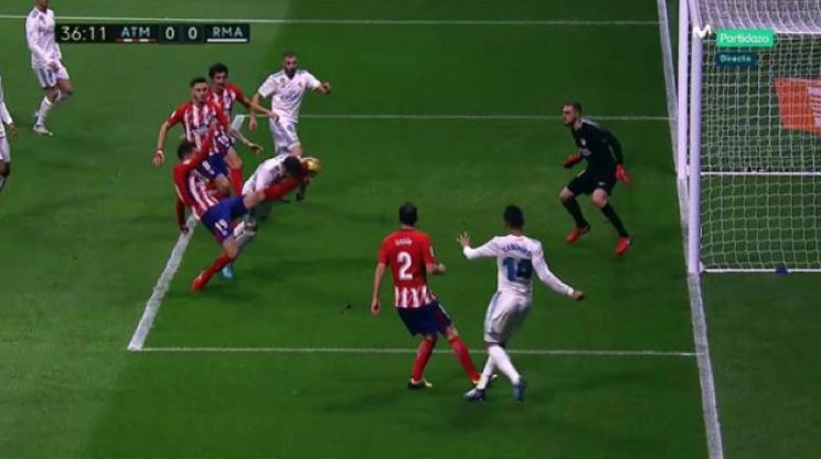 Sergio Ramos deberá decidir si continúa jugando o se somete a cirugía