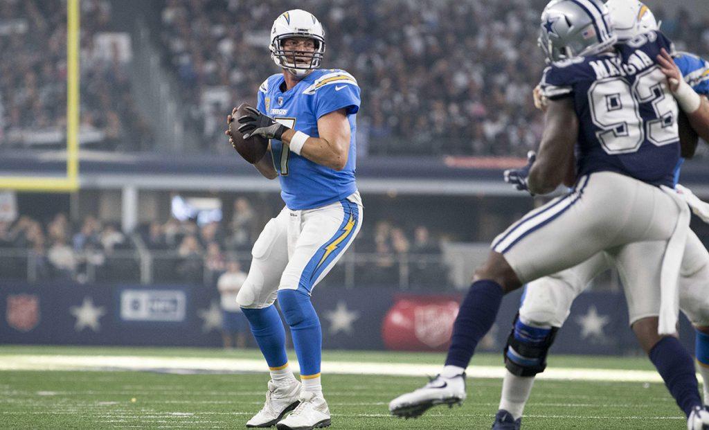 Con tres pases de anotación, Philip Rivers llevó a la victoria a los San Diego Chargers 28-6 a unos  Dallas Cowboys que siguen en plena debacle