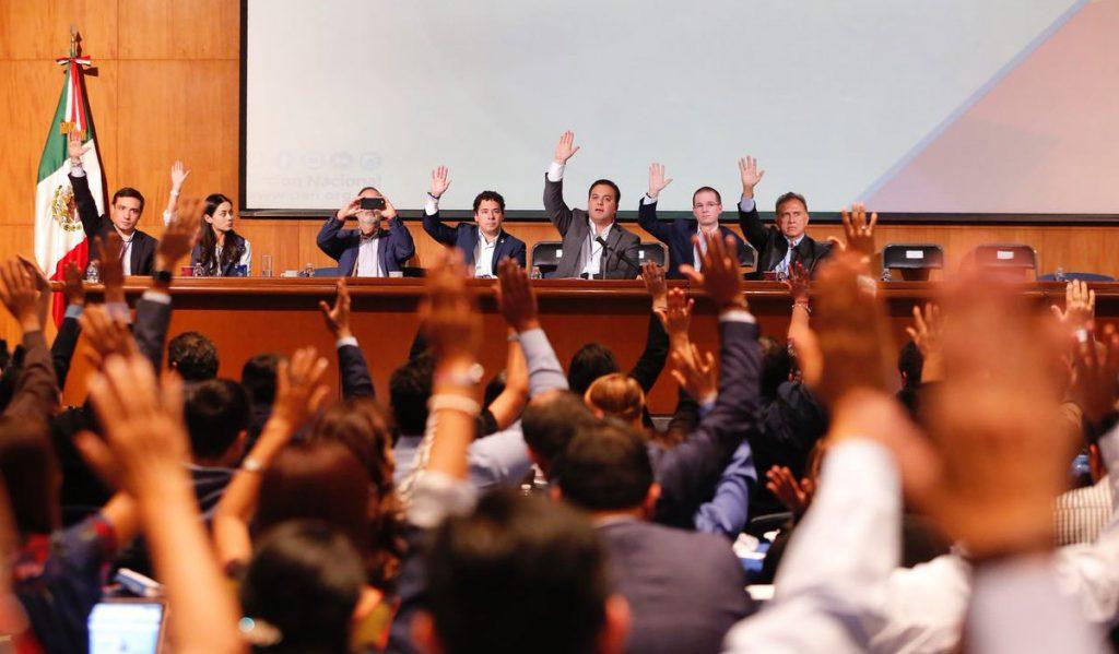 El Consejo Nacional del PAN aprobó la coalición con el PRD y Movimiento Ciudadano para el Frente Ciudadano por México para buscar la presidencia